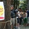Малко преди официалното стартиране на Беглика фест 30-тина младежи събраха тон и половина боклук из защитената местност Батлъбоаз в Западни Родопи. // Снимки: Беглика фест