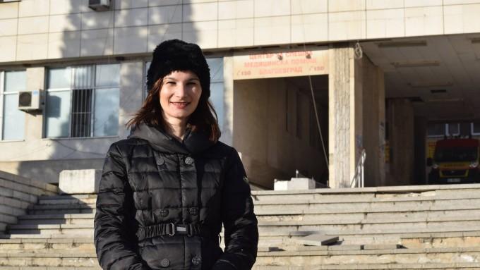 Даниела Тушлекова, 31, майка на дете с белодробно заболяване, е притеснена, че тютюнопушенето сред подрастващите в България нараства. Фото: В. Янева/Евромегдан.бг